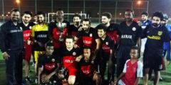 فريق كرة القدم يحتفل بالمزيد من النجاح
