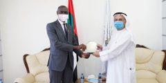 """أمريكية رأس الخيمة"""" تستقبل السفير الأوغندي في دولة الإمارات"""