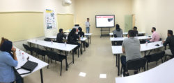 AURAK Students Visit Research Center